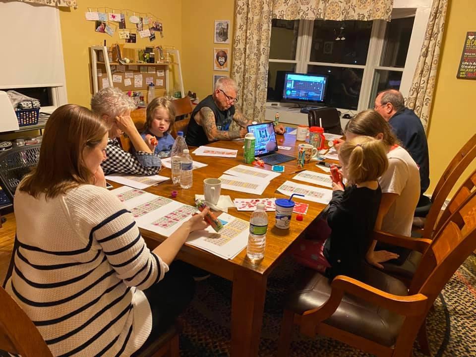family playing virtual bingo